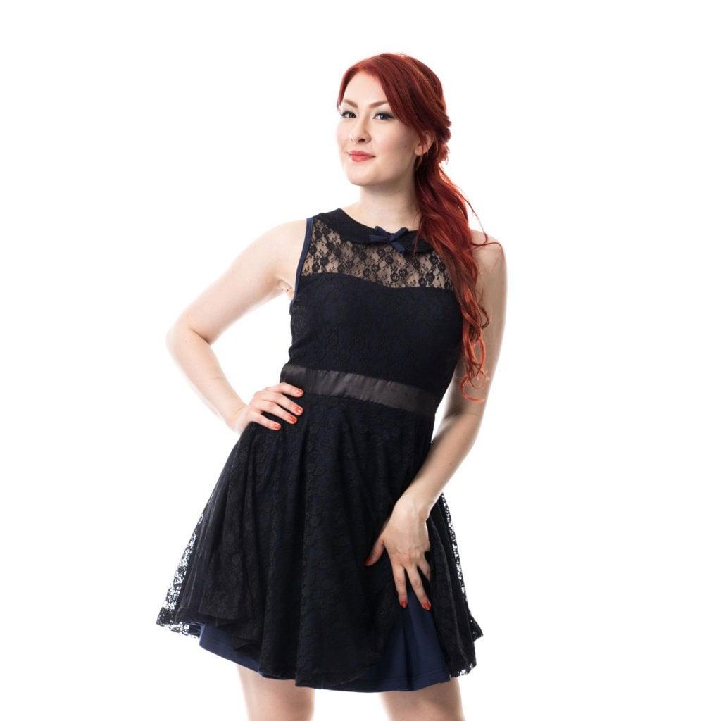 Svart klänning med spets Klänningar Damkläder Dunken.se